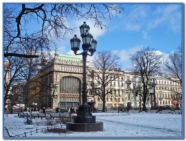 pouliční osvětlení v zimním parku St. Petersburg