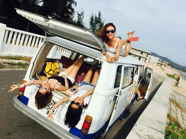 tři holky v dodávce, výlet, cestování