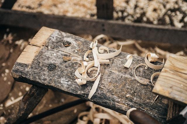 dřevo, hobliny